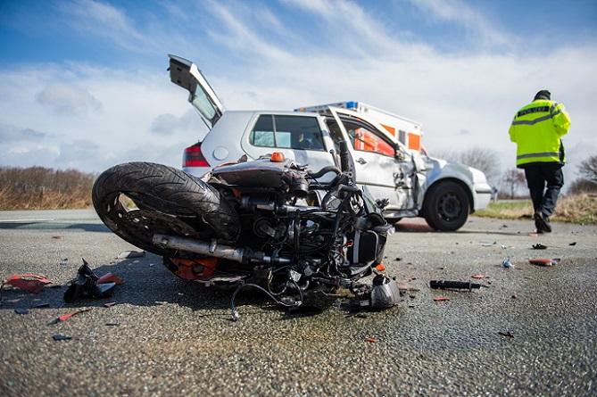 In Deutschland gilt, genau wie für Autos, eine gesetzliche Verpflichtung zur Haftpflichtversicherung. Ohne eine solche Versicherungsbescheinigung kann auch kein Motorrad zugelassen werden. (#01)