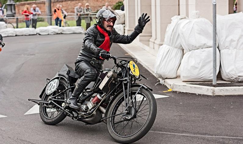 Alte Motorräder sind mehr als nur Fahrzeuge, die ihre Besitzer von A nach B bringen. Sie sind vielmehr Lebensbegleiter und echte Freunde.  (Foto: Shutterstock-_ermess)